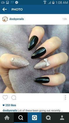 Why are stiletto nails so amazing? We have found the very Best Stiletto Nails for 2018 which you will find below. Having stiletto nails really makes you come off as creative and confident. Prom Nails, Long Nails, Cute Nails, Pretty Nails, Hair And Nails, My Nails, Black Stiletto Nails, New Nail Art, Nail Treatment