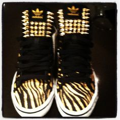Yummy hightops embellished by moi! For a special girl !!