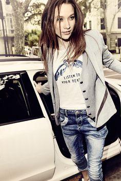 Gosh Tee / Loom Blazer / Naomi Glam Jeans / Mos Mosh S14, boutique Loula Bee Liège