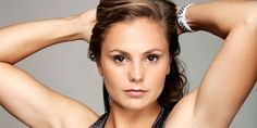 Zo traint Lieke Martens haar power-benen! Female Football Player, Football Players, Workout, Fc Barcelona, Squats, Soccer, Celebs, Lady, Fitness