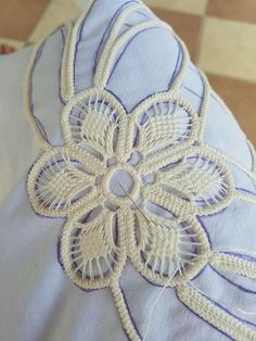 - Her Crochet Embroidery Fabric, Hand Embroidery Patterns, Lace Patterns, Beaded Embroidery, Crochet Patterns, Needle Lace, Bobbin Lace, Diy Lace Ribbon Flowers, Romanian Lace