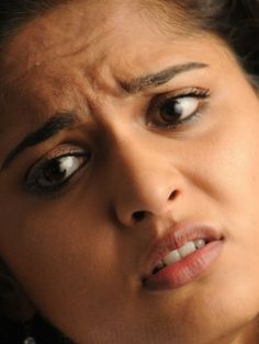 Actress Anushka Shetty Generous Stills in White Dress Anushka Images, Anushka Latest Photos, Actress Anushka, Tamil Actress, Close Up Photos, Cool Photos, Anushka Wallpapers, Anushka Shetty Saree, Oily Face