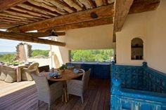 Outdoor lounge | Pure Villa Fleurs