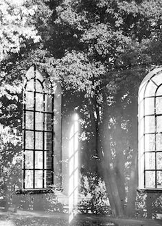 Marianne Brattberg - Old waterhouse, black and white photograph, windows, reflections