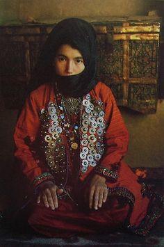 Folklorique: The taste of Petrol and Porcelain | Interior design, Vintage Sets and Unique Pieces www.petrolandporcelain.com  A girl from Iran.