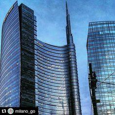 #Repost @milano_go  #Milano #Milan #PlacesOfMilan #milanocity #milanodavedere #igersmilano #volgomilano #milanogram #travel #italy #igtravel #instatravel #photooftheday #architecture #art #buildings #geometry #tourism #traveling #aroundtheworld #igersitalia by places_of_milan