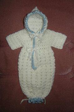 Preemie Bunting (free pattern)   Fits 2-3 lbs  from godstinyangels
