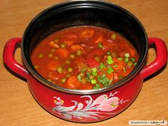 Smacznie i Kolorowo: Gulasz z kiełbasą, pomidorami i groszkiem Beans, Vegetables, Food, Meal, Beans Recipes, Essen, Vegetable Recipes, Hoods, Prayers