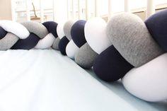 Mezcla colores trenzada cuna parachoques almohada nudo nudo