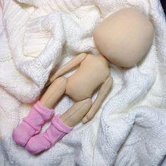 Вот такой нежный процесс рождения;) #кукла #куклы #куколка #Куклаолли #олли #textilledoll #artdoll #dolls #doll