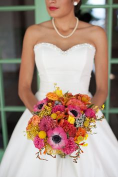BAM. Stunning bridal #bouquet {roohi photography}