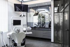 The Black Mirror - Dentcraft Polylinic Dental Office Decor, Dental Office Design, Clinic Interior Design, Clinic Design, Dentist Clinic, Treatment Rooms, Modern Design, Home, Istanbul