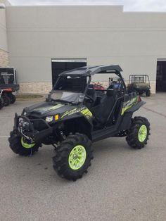 Evasive Green Positive Venoms with Bullet Edge Atv, Monster Trucks, Vehicles, Bullet, Wheels, Green, Food, Cars, Bullets