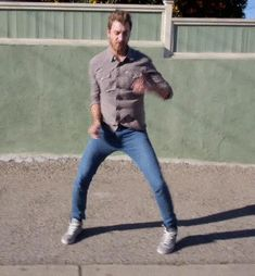 Rhett and Link GIFS  How to walk in a way to prevent being mugged