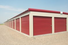 Self-storage facilities operate with only one or two small offices. Boat Storage, Built In Storage, Storage Building Plans, Business Storage, Self Storage Units, Prefab Cabins, Storage Facility, Steel Buildings, Arquitetura