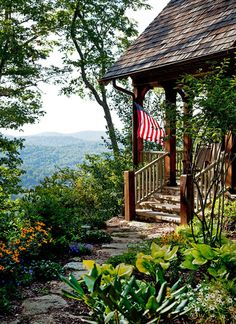 entrance to a retreat home in the Tennessee mountains