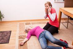 Las mujeres tardan más en ir a consulta por síntomas de infarto | Por: @linternistahttp://medicinapreventiva.info/generalidades/12577/las-mujeres-tardan-mas-en-ir-a-consulta-por-sintomas-de-infarto-por-linternista/Las mujeres tardan más en ir al médico tras sentir los síntomas típicos de un infarto: opresión en el centro o en el lateral izquierdo del tórax, que puede ir acompañado de sensación de náuseas, dolor en los brazos, y, en ocasiones, mareos y dolor en las
