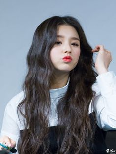 "  exams on Twitter: ""Hee Jin   LOOΠΔ… """