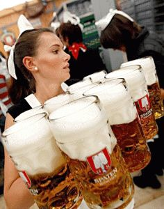 Oktoberfest festival is held annually in Munich, Bavaria, Germany. And this year the mayor of Munich Christian Ude has tapped the first keg to kick off the… Munich Oktoberfest, Oktoberfest Party, German Oktoberfest, Beer Girl, German Beer, Beer Festival, Beer Lovers, Bavaria, Craft Beer