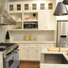 kitchen - zigzag marble backsplash