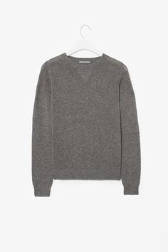 Cashmere sweatshirt (COS)