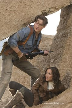 """The Mummy: Tomb of the Dragon Emperor - Maria Bello: Evelyn Carnahan-O'Connell and Brendan Fraser: Richard """"Rick"""" O'Connell The Mummy 3, Brendan Fraser The Mummy, Mummy Movie, Safari, Michelle Yeoh, Couples Cosplay, Avatar, Cinema, Chef D Oeuvre"""
