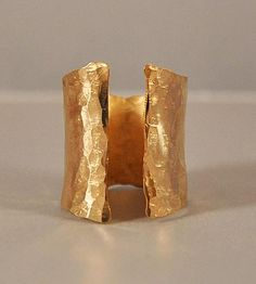 // Inlet Gold Cuff Ring by Ilsa Loves Rick / Scoutmob Shoppe Fashion Jewelry Necklaces, Jewelry Art, Jewelry Rings, Jewelry Accessories, Jewelry Design, Ideas Joyería, Bangle Bracelets, Metal Bracelets, Gold Rings