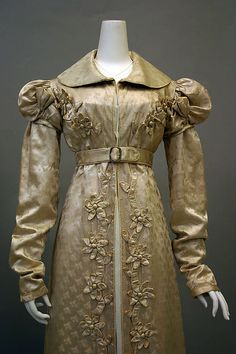 Redingote Redingote Date: Culture: French Medium: silk Dimensions: Length at CB: 59 in. cm) Credit Line: Purchase, Friends of The Costume Institute Gifts, 2010 Accession Number: Met Museum Regency Dress, Regency Era, Historical Costume, Historical Clothing, Jane Austen, Vintage Outfits, Vintage Fashion, Steampunk Fashion, Gothic Fashion