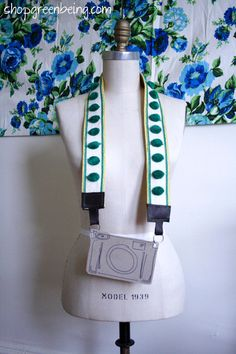 Camera straps for lady photographers! via greenbeing
