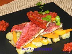 Rougets rôtis et pommes de terre tièdes à la coriandre.