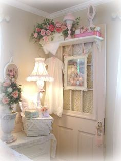 *・゜*:fairynests:*゜・*oh, my..... the cutest corner ever :) luv it what a neat idea