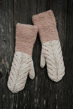 Ravelry: capucino's Mittens with lace