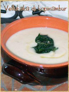 Vellutata di topinambur (Cream of jerusalem artichoke soup)