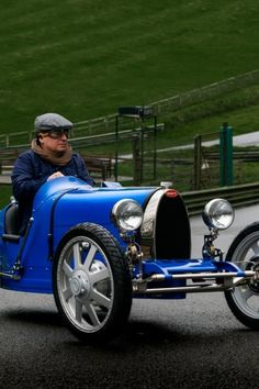 Bugatti Baby II gets the Bugatti Owners' Club stamp of approval Bugatti Cars, Bugatti Veyron, Fuel Pressure Gauge, Antique Cars, Old Things, Stamp, Club, Baby, Vintage Cars