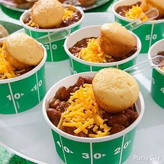 Easy Football Party Food Ideas - Budet Friendly Here are 5 easy foo. - Easy Football Party Food Ideas – Budet Friendly Here are 5 easy football party food - Football Party Foods, Football Tailgate, Football Food, Football Birthday, Football Season, Football Humor, Fiesta Party Foods, Food For Superbowl Party, 49ers Birthday Party