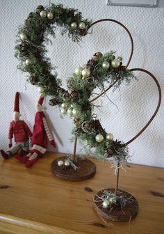 Dekoration Weihnachten - H(e)aven: Juledekorationer hos søster Rustic Christmas, Christmas Art, All Things Christmas, Winter Christmas, Christmas Wreaths, Christmas Ornaments, Valentine Decorations, Xmas Decorations, Deco Table Noel