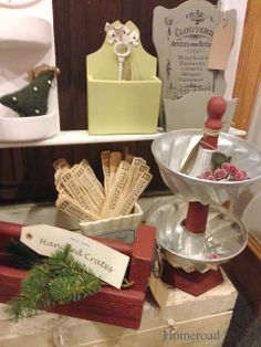 Tons of ideas for displays at a Holiday Craft Fair www.homeroad.net
