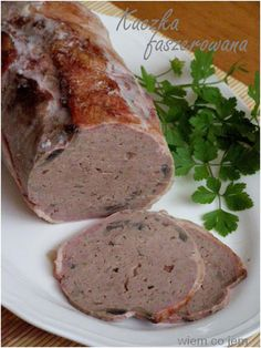 Domowy baleron - Wiem co jem Home Made Sausage, Duck Soup, Duck Confit, Polish Recipes, Dinner Is Served, Smoking Meat, Charcuterie, Poultry, Carne