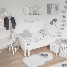Picture by: @interiorbymaria ◻️◽️▫️✨▫️◽️◻️ Tap on the image for more information  •••••••••••••••••••••••••••••••••••••••  Follow @baby_and_kidsroom_inspo for more  ••••••••••••••••••••••••••••••••••••••• #mittbarnerom#interiorbaby#nursery#nurserydecor#nurseryinspo#nurserydetails#interiordream1#kidzinteriors#babystyleinspo#smabarnsinspo#barnasverden#interior4you#interior2love#barneromrepost#nordickidsliving#barnensrum#finabarnsaker#hem_inspiration  #tapfordetails