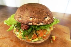 How to make raw vegan burgers with Portobello mushrooms buns