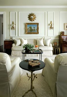 An elegant traditional living room with a classic English roll arm sofa with a stylish dressmaker skirt by Atlanta designer, Patricia Maclean for the Atlanta Symphony Decorators show house. Formal Living Rooms, Living Room Sofa, Living Room Interior, Living Room Decor, Living Spaces, Sofa Styling, Transitional Living Rooms, Atlanta Homes, Classic Interior