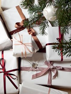 simple wrapping paper that is just WOW.