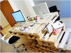 Uma escrivaninha completa para o escritório.