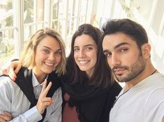 FEELING EMPOWERED... ( @vettibet & @flyet by @unomodels )  When you receive a visit from your bookers on propose just to see you in the set... thats when you know it is a good agency (good agents)!  #modeling #modelagency #fashion #agents #love #family #unofamily #goodjob #respect #empowered #barcelona #barcelonafashionweek #studio