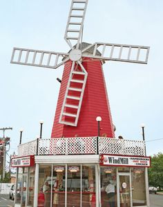 The Windmill hot dogs... The WindMill has the best footlong hot dogs around. Lots of topping options and A+ cheese fries! Fido can come too - outdoor seating! Long Branch, NJ, US
