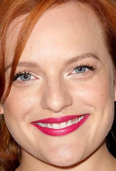 Close-up of Elisabeth Moss at the 2015 New York premiere of 'Queen of Earth'. http://beautyeditor.ca/2015/09/02/best-beauty-looks-america-ferrera