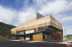 Gallery of Jackson Hole Center for the Arts Performing Arts Pavilion / Stephen Dynia Architects (Arts Design Collaborative) - 1