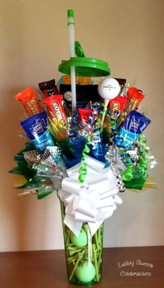 Golf Ball Crafts golf theme food, golf party ideas, Father's Day golf party ideas, golf candy present with golf balls and tees in a golf water bottle Golf Party, Thema Golf, Golf Birthday Cakes, Birthday Basket, Ball Birthday, Golf Ball Crafts, Golf Theme, Birthday Gifts For Husband, Candy Crafts