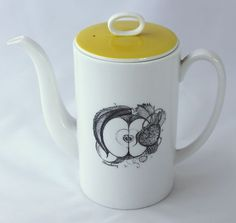 Susie Cooper Black Fruit Porcelain Coffee Pot Wedgwood Circa 1957