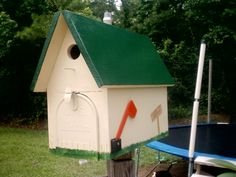 Birdhouse mailobox